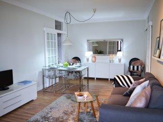 Nuevo y acogedor apartamento. WiFi, Parking gratis