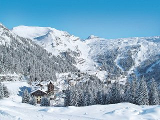 2 bedroom Apartment in Flaine, Auvergne-Rhone-Alpes, France : ref 5438943