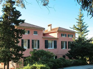 9 bedroom Villa in Theoule-sur-Mer, Provence-Alpes-Cote d'Azur, France : ref 543