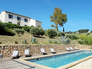 4 bedroom Villa in Ollioules, Provence-Alpes-Côte d'Azur, France : ref 5436136