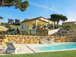 4 bedroom Villa in Sainte-Maxime, Provence-Alpes-Côte d'Azur, France : ref 54360