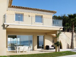 3 bedroom Villa in Grimaud, Provence-Alpes-Cote d'Azur, France : ref 5435979
