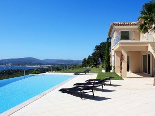 3 bedroom Villa in Grimaud, Provence-Alpes-Côte d'Azur, France : ref 5435979
