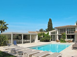 4 bedroom Villa in Gassin, Provence-Alpes-Cote d'Azur, France : ref 5435946