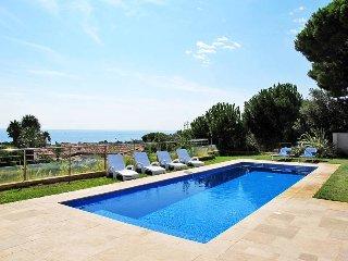 4 bedroom Villa in Sainte-Maxime, Provence-Alpes-Côte d'Azur, France : ref 54360