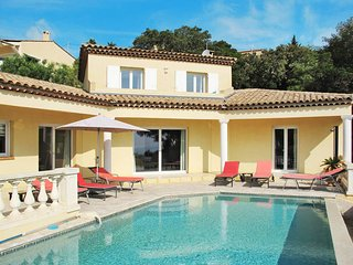 5 bedroom Villa in Saint-Aygulf, Provence-Alpes-Cote d'Azur, France : ref 543586
