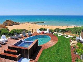 4 bedroom Villa in Albufeira, Faro, Portugal : ref 5433484