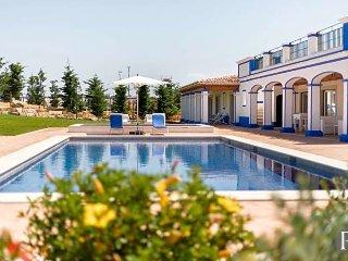 Malhadais Villa Sleeps 8 with Pool Air Con and WiFi - 5433322