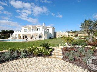 5 bedroom Villa in Praia Da Luz, Faro, Portugal : ref 5433399