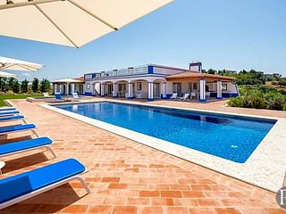 4 bedroom Villa in Boliqueime, Faro, Portugal : ref 5433322