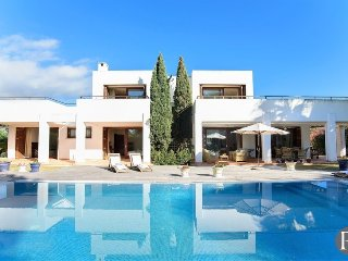 4 bedroom Villa in Cala d'Or, Balearic Islands, Spain : ref 5433275