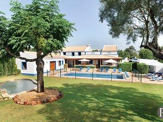 4 bedroom Villa in Boliqueime, Faro, Portugal : ref 5433073