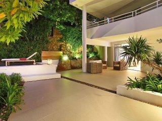 Gorgeous 6 Bedroom Luxury Retreat