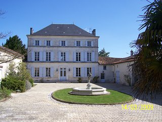 Large Maison de Maitre in rural setting