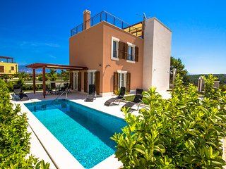 Private villa with sea view on island Brac, Adriatic Luxury Villas w75