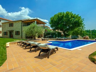 7 bedroom Villa with Pool, Air Con and WiFi - 5426420