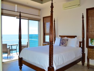 Romantic Beachfront Suite