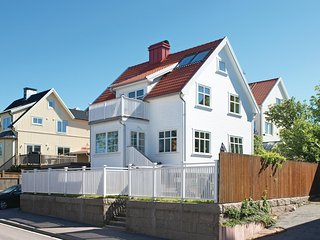 Stunning home in Kungshamn w/ WiFi and 4 Bedrooms