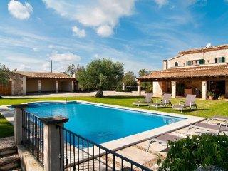 Esplendida villa con piscina