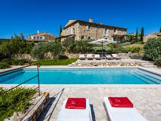 Oppedette Villa Sleeps 12 with Pool and WiFi - 5822315