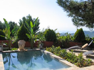 Casares Villa Sleeps 2 with Pool - 5405367