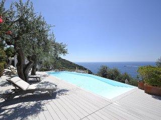 7 bedroom Villa in Marina del Cantone, Campania, Italy : ref 5402329