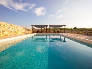 Alberobello Villa Sleeps 6 with Pool and Air Con - 5400636