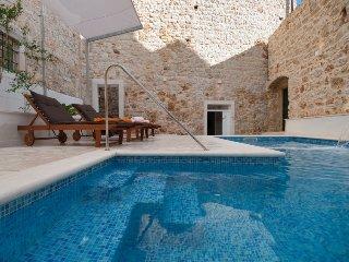 5 bedroom Villa in Bol, Splitsko-Dalmatinska Zupanija, Croatia : ref 5398855