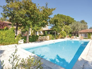 Stunning home in Le Rouret w/ WiFi and 6 Bedrooms
