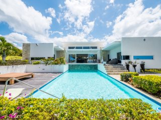 Casa del Caribbea in Puerto Plata, with an infinity pool and waterfall! (Caribbe