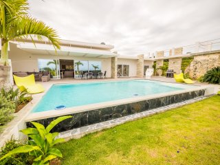 Casa Palma plus loft, with private pool and sea views! (Caribbean Casas)
