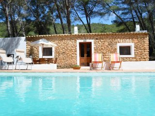 Cozy house with pool in a quiet area close to Santa Gertrudis village -ET-0573-E