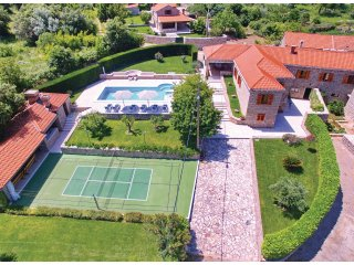 Nice home in Vitaljina w/ WiFi and 4 Bedrooms