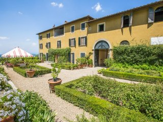 9 bedroom Chateau in San Bartolomeo a Quarate, Tuscany, Italy : ref 5364784
