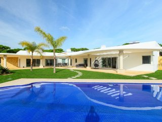 6 bedroom Villa in Benfarras, Faro, Portugal : ref 5364775
