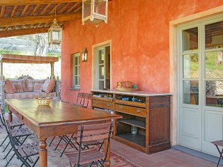 Luciano Villa Sleeps 10 with Pool and Air Con - 5364743