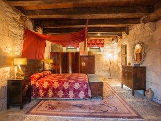 Saint-Julien-de-Lampon Villa Sleeps 22 with Pool and Air Con - 5364726