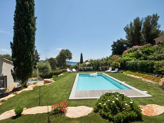 4 bedroom Villa in Cavaliere, Provence-Alpes-Cote d'Azur, France : ref 5364708