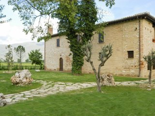6 bedroom Villa in Fabbri, Umbria, Italy : ref 5364714