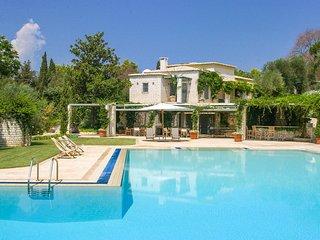 9 bedroom Villa in Pontikonisi, Ionian Islands, Greece : ref 5364712
