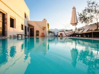 2 bedroom Villa in Megalochori, South Aegean, Greece : ref 5364697