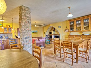 7 bedroom Villa in Lucignano, Tuscany, Italy : ref 5345584