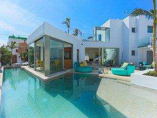 4 bedroom Villa in Playa d'en Bossa, Balearic Islands, Spain : ref 5343761