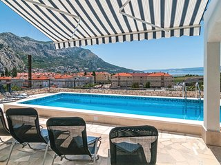Awesome home in Omis w/ WiFi and 6 Bedrooms