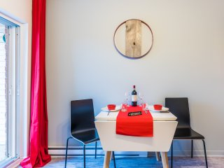 Le Homa - newly renovated with free parking sleep 4 - 1 bedroom
