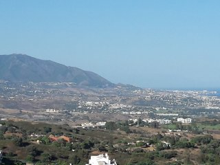 Apartment With Sea and mountains  Views In Tranquil Location near Marbella