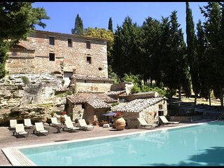 3 bedroom Villa in San Gimignanello, Tuscany, Italy : ref 5239653