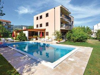 Beautiful home in Kastel Stafilic w/ WiFi and 8 Bedrooms