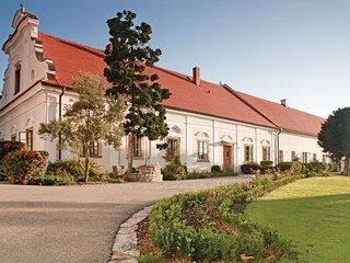 Nice home in Liten w/ WiFi and 8 Bedrooms