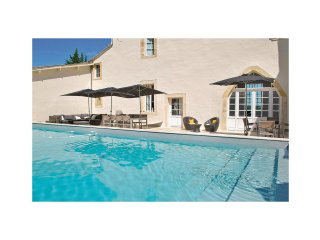 Amazing home in St.Pey de Castets w/ WiFi and 9 Bedrooms